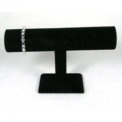 Armbandpräsentation aus schwarzem Samt..