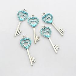 Herz Schlüssel, Zyan, 50x18x2 mm, Bohrung: 3.5 mm