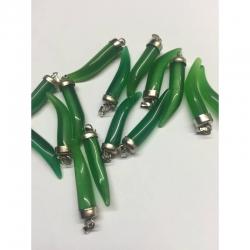 Katzenauge Anhänger, grün mit Messingverschluss, ca. 40 mm lang, 7.5 mm breit, Bohrung: 2x5 mm